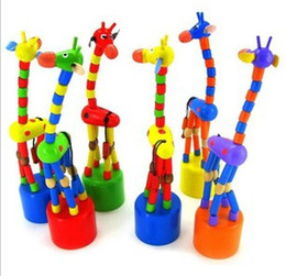 Wholesale Baby Wooden Giraffe Dancing Toys Kids Funky Standing Dance Hand Dolls Tall Animal Toys B0721
