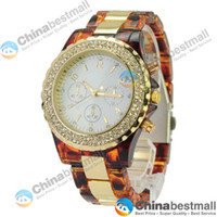 Wholesale High Quality Fashion Round Dial Wristwatch with Quartz Movement Rhinestone Decoration Acrylic Band
