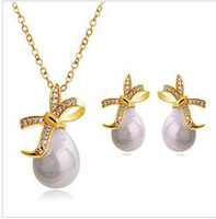 Wholesale Wedding Engagement Jewelry Sets Pearl Necklace Earrings Lady s Fashion Ornament LM S029