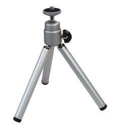 Soporte ligero del soporte de la ayuda del trípode ligero del metal del viaje mini universal para el webcam 50pcs de las cámaras digitales por la porción desde soportes de cámaras digitales proveedores