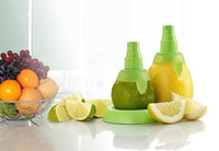 Wholesale lovely fashion pc set green pink orange color Lemon Juice Sprayer Citrus Spray Hand Juicer Mini Squeezer Kitchen Tools