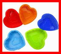 Wholesale FDA standard of food Silicone cake mould small love baking tray Muffin Cupcake