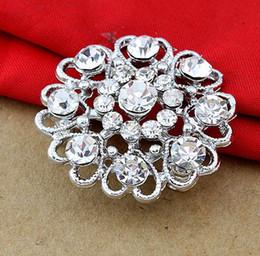 Rhinestone Brooch New Women Pearl Brooch Flower Type Wedding Party Brooch Jewelry 3.1*3.1CM Size