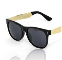 Wholesale New Designer Retro Hipster Trendy Shades Retro Black Sunglasses Mens Gold Metal Arms Women Dark Sunglasses