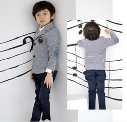 Wholesale Hot Children s Coats New Boys Autumn Long Sleeved Patch Upper Garment Fashion Stripe Blazer Gentlemen Tailored Suit Age Yrs