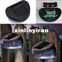 Wholesale Solar Powered Outdoor Garden Walkway Beautiful Wall LED Fence Light Lamp B611