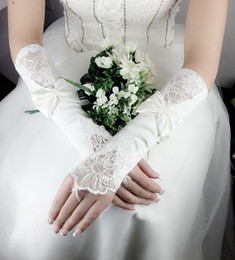 Wholesale Hot Selling white Bridal Gloves Bud silk embroidery Wedding jewelry Pure white fingerless gloves RT013