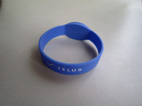 Wholesale 125Khz TK4100 RFID Silicone Wristband x Blue color