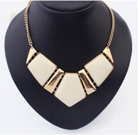 Wholesale Womens Big Acrylic Gemstone Necklaces Resin Statement False Collar Necklace Jewelry Fashion