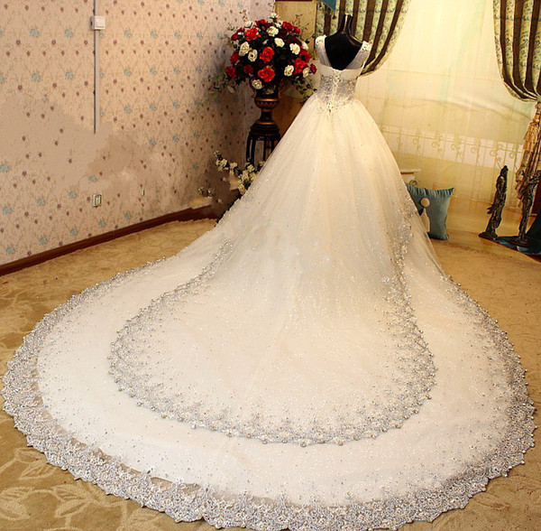 robe de mari e strass et paillette