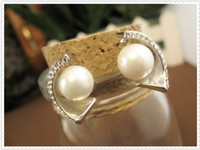 Wholesale In the new Korean Earrings K gold plated fashion OL temperament Earrings Gold Pearl Earrings elegant generous Silver
