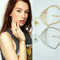 Wholesale 2piece mixed color Punk Triangle Shape Spike Chain Hand Harness Bracelet Bangle Finger Ring with tracking number