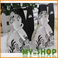 Wholesale Small Gift Bags Paper White Black Bride Groom Dress Wedding Favours Free Shiping Candy Holder Boxes HQ0050