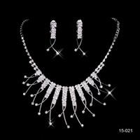 Bon Marché Mariage met en vente-2015 Best Selling mariage unique mariée Bridesmaids strass collier boucles d'oreilles bijoux Set Prom En Stock Hot Sale