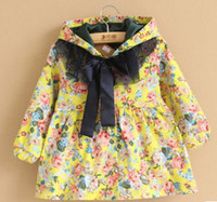 Wholesale 2013 Autumn Girls Flowers Pattern Ribbon Bow Lace Patching Long Sleeve Trench With Hat Winter Girls Deluxe Blossoms Outwears B0932
