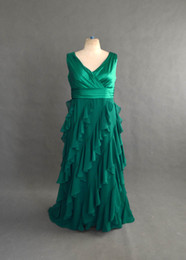 Wholesale beautiful A line V neck ruffle green chiffon design your own long cheap plus size prom dresses plus size evening dresses