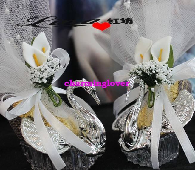 http://www.dhresource.com/albu_400412080_00-1.0x0/2013-metal-iron-swan-wedding-candy-boxes.jpg