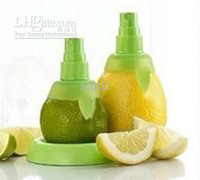 Wholesale Juice Juicer Lemon Orange Watermelon Sprayer Squeezer Kitchen Tools Creative Hand Fruit Spray Tool