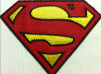 al por mayor hierro parches superman-Wholesales ~ 30 pedazos de dibujos animados cómico Movie Superman (8 x 6cm) Niños Patch bordado de hierro en parche de Applique