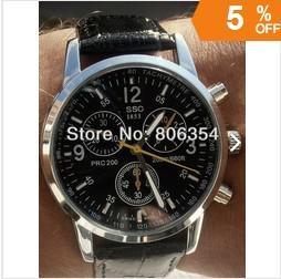 Wholesale Fashion popular circular logo men s original quartz watches movement at a low price watches