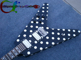 Vol blanc v en Ligne-Top Quality usine Custom Shop RX10D Randy Rhoads Black White Polka Dot Flying V Electric Guitar Livraison gratuite