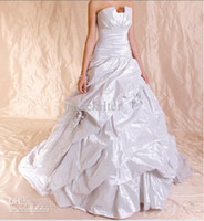Wholesale Elegant Strapless Chiffon Wedding Dress Ball Gown