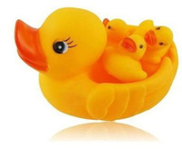 Cheap Mummy & Baby Rubber Race Cute Ducks Family Squeaky Bath Toys For Kids Set New