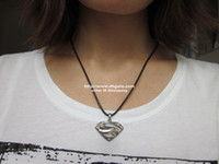 Wholesale SUPERMAN necklace superman dog tag necklace fashion necklace black leather chain necklace stainless metal pendant