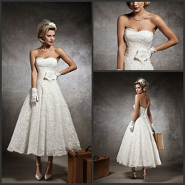 Wholesale In Stock Sweetheart Casual Custom Made Lace Scoop Flowers Tea Length Wedding Dresses Bridal Gowns