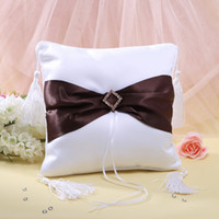 Wholesale Top quality Unique Wedding favors Brown belt ling diamond design ribbon Ring Pillow for Wedding Ceremony Party