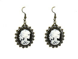Wholesale CAMEO EARRING VICTORIAN Nior belle morte lady day of the dead anatomical earring black white ER591