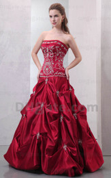 Wholesale Cheap Simple Gorgeous Dark Plum Ruffles Strapless Embroidery Sweetheart Beads Quinceanera Dresses