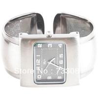 Unisex Auto Date Analog Stylish Bracelet Quartz Wrist Watch Bangle Decoration with Metal Band for Lady Woman Girl Female - Copper
