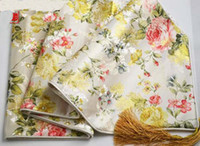 Wholesale Luxury White Damask Dinner Party Table Runner High End European Rose Flower Decorative Table Cloth multicolor option L200xW35cm Free
