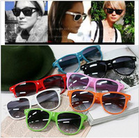 Fashion Adumbral Ornamental Man 8PCS hot sale classic style sunglasses women and men modern beach sunglasses Multi-color sunglasses