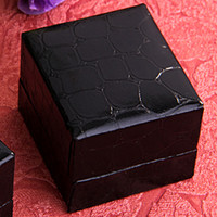 Wholesale Fashion Black Leather Paper Jewelry Ring Display Gift Box Case
