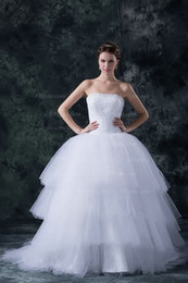 Wholesale Ball Gown Wedding Dresses Strapless Neckline Ruffle Beaded Bow Sashes Tulle Court Train Wedding Dress Real Image Z861