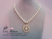 Bohemian Women's Thanksgiving Day wonderful pearl diamond flower pendant necklace