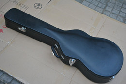 Black guitar case for electric guitar ( the case is not sold separately )