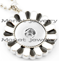 Wholesale A19041 black and white stainless steel sunflower women charms fashion noosa necklace cm length