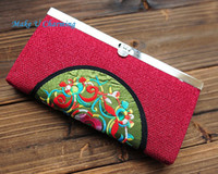 Wholesale Handmade Exquisite Embroidered Burlap Hasp Wallet