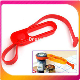 Wholesale New Novelty Multi Purpose Jar Bottle Lid Opener Strap Wrench for Soda bottles Condiments Canned Goods