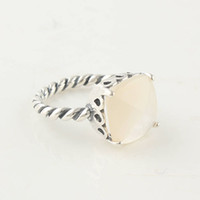 Wholesale white stone silver finger ring made of sterling silver rings for pretty girls gifts price hot sale item RIP030