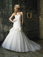 Sexy Chapel Train Trumpet/Mermaid Customized Sweetheart Corset Mermaid Wedding Dress 2013 Online Tulle Ruched Handmade Flower Crystals Chapel Train J6231