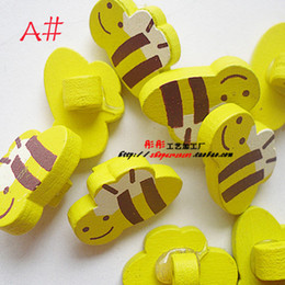 Wholesale Hot Sale Cartoon Personalized Color Wooden Buttons Fit Clothes Accessories