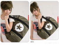Wholesale Hot Fashion Casual Large Capacity Sports Travel Gym Bags Gym Totes Nylon Handbag women gifts