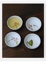al por mayor té de porcelana de loto-Tazas de té chino, loto pintado a mano, 4 piezas / 1 juego