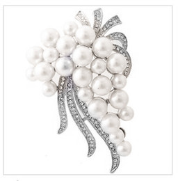 SILVER PLATED White FAUX PEARL VINE BROOCH WIITH RHINESTONE CRYSTALS