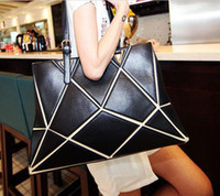 Wholesale Fashion Cheap Lady Shoulder Bag with Diamond Pattern Montage PU Leather Style B8