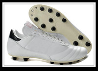 Soft Spike in germany - New White Leather Men Soccer Shoes Outdoor Football Shoe Cleats Team Sports Footwear Colors Made in Germany Best Quality New In Box Hotsale
